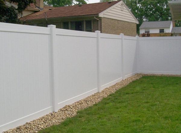 vinyl fence canada
